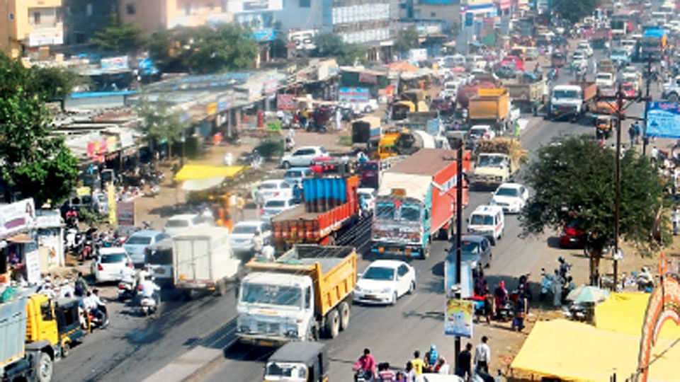 Heading Ahmednagar from Pune on January 1? Check traffic map here