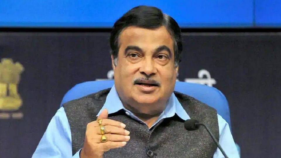 Pune: PMC officials get a rap from Union Minister Nitin Gadkari