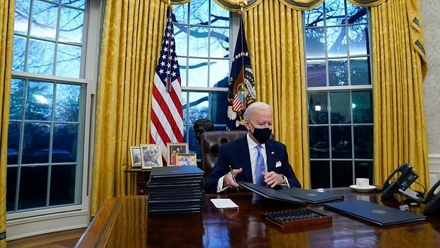 "Joe Biden sets the ball rolling; signs order to end ""Muslim ban"", rejoins Paris Accord, WHO"