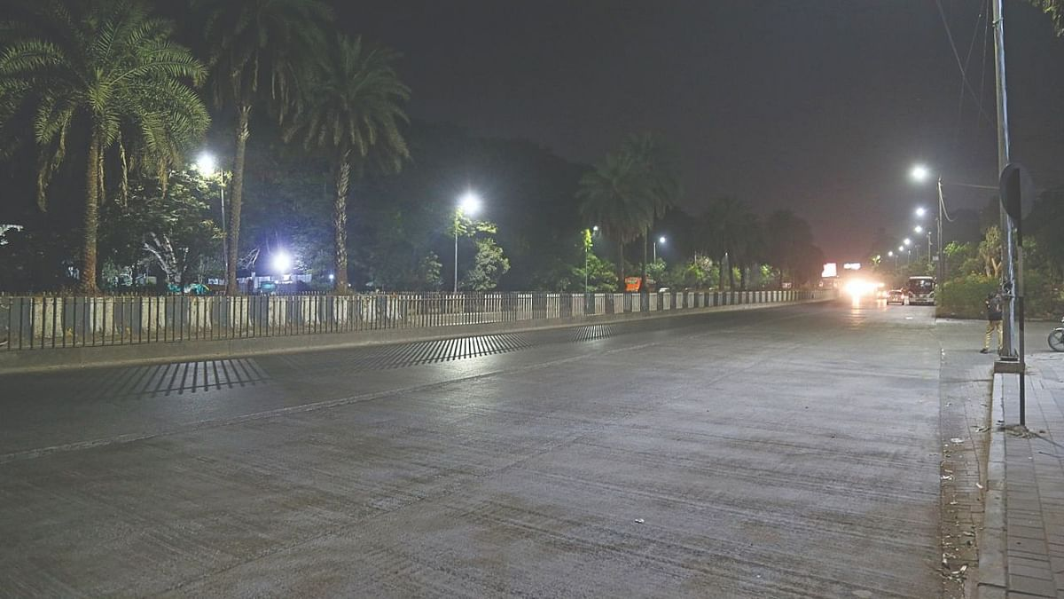 Ground Report: Pune police fail to implement night curfew in city limits