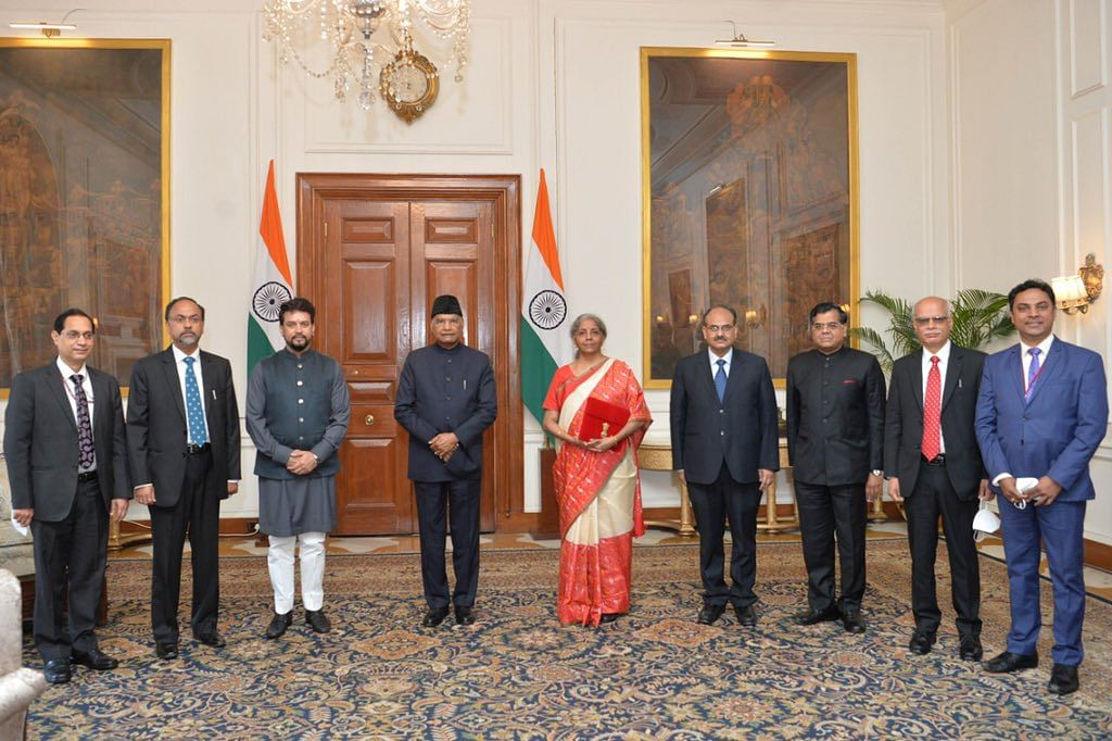 President Ram Nath Kovind with Finance Minister Nirmala Sitharaman, MoS Finance & Corporate Affairs Anurag Thakur, and senior officials of the Ministry of Finance