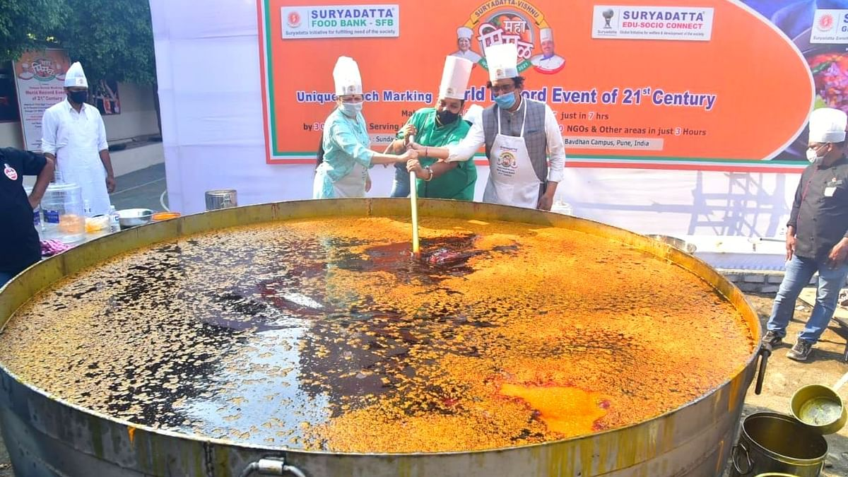 Pune: 7,000 kg of Misal prepared in just seven hours; sets world record
