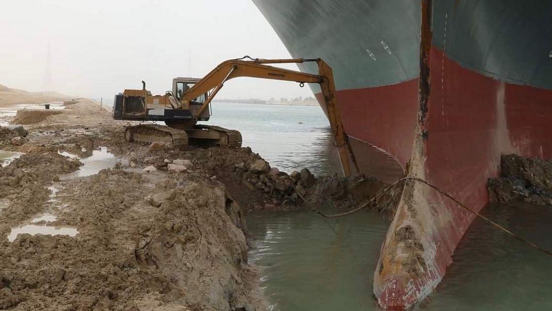 Suez Canal halts shipping; owner of ship blocking waterway apologises