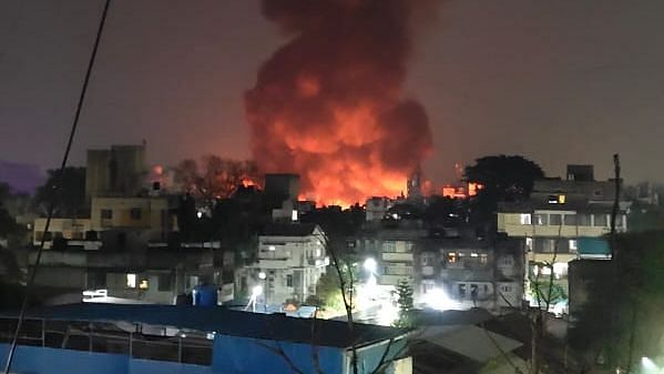 Pune: Massive fire broke out at MG Road's Fashion Street