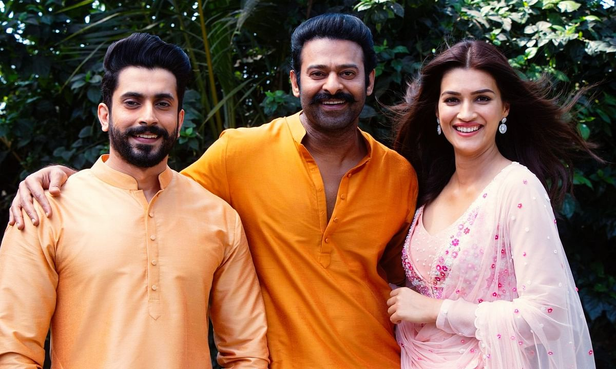 Welcoming Sunny Singh (L) and Kriti Sanon (R) onboard 'Adipurush,' Prabhas (C) share this picture of himself with the two actors