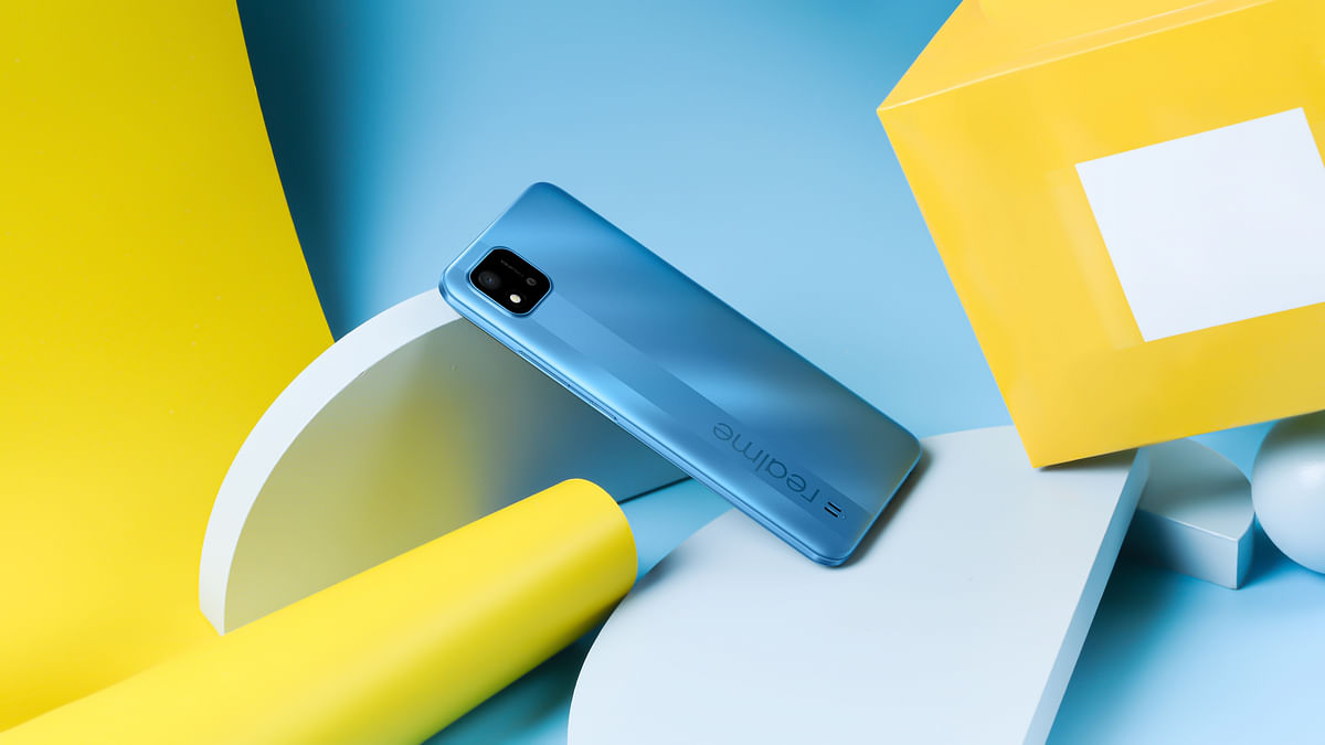 The Realme C20 in the Cool Blue shade