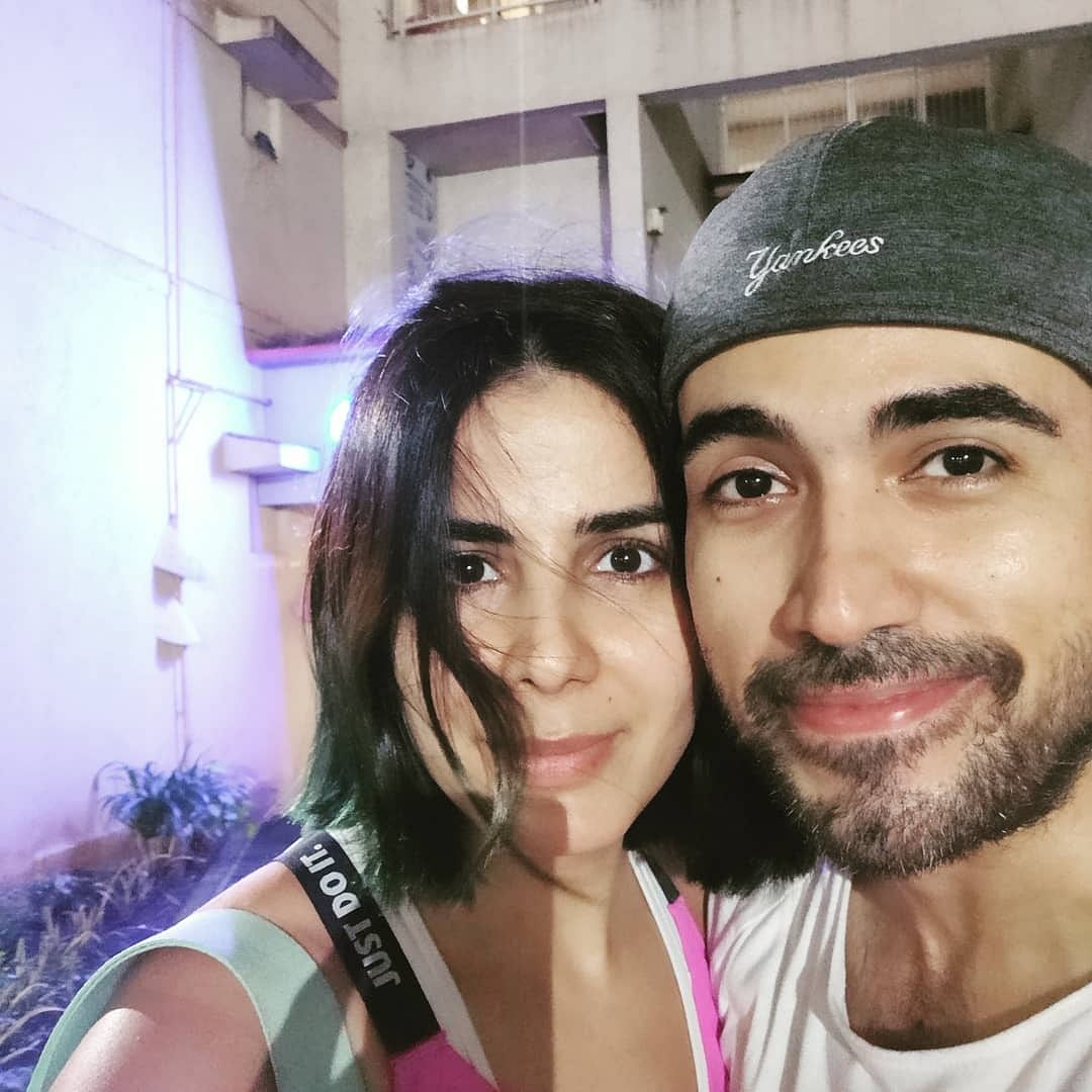 Sometime back Kirti Kulhari shared this picture with her husband Saahil Sehgal on Instagram, and wrote, 'Home sweet home...husband sweet husband...❤️ It's great to be back @saahilsehgal(sic)'
