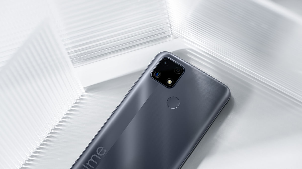 Realme C25 in the Watery Grey colour.