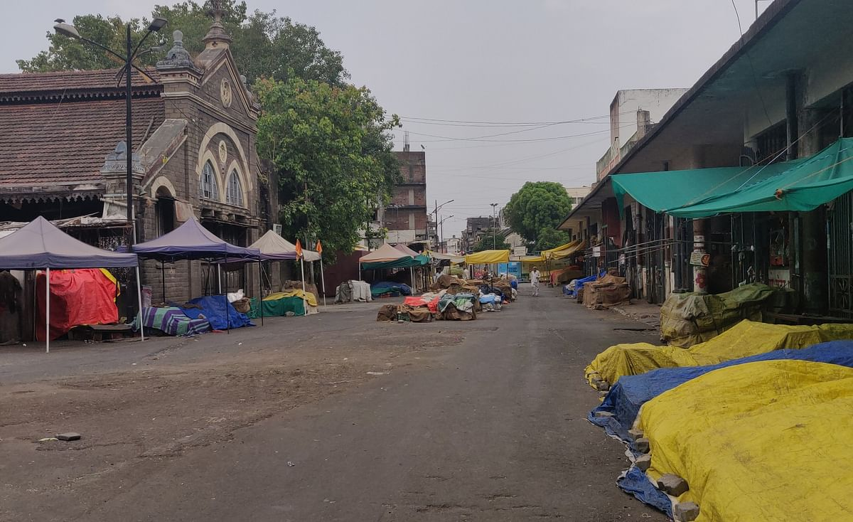 Pune's very own Mandai Market remained shut on Saturday due to weekend lockdown