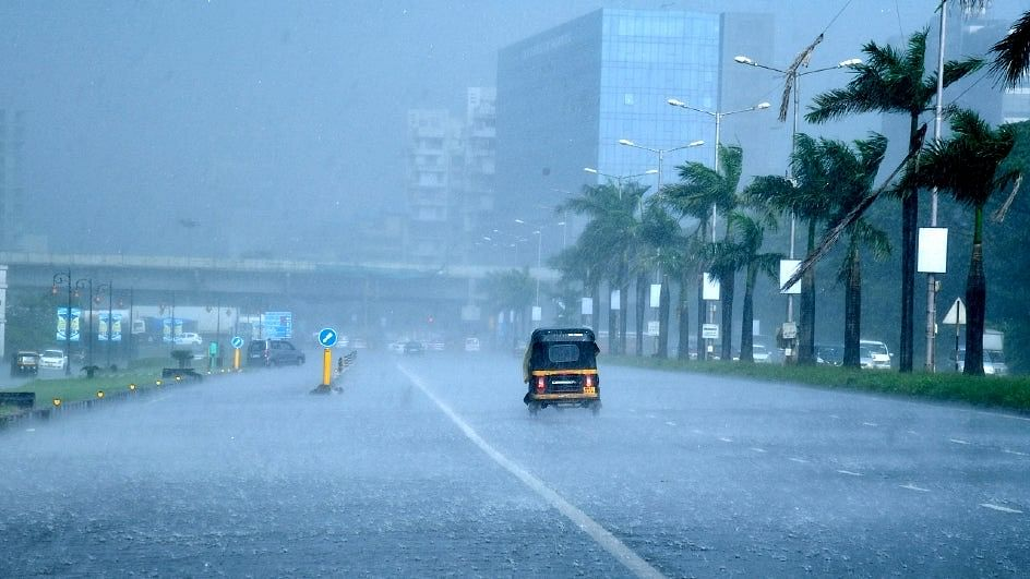 Cyclone Tauktae hits Mumbai, intensifies into extremely severe cyclonic storm