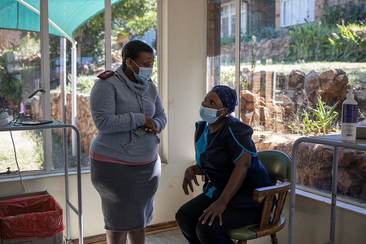 South Africa resume its COVID-19 coronavirus Phase 2 vaccination rollout