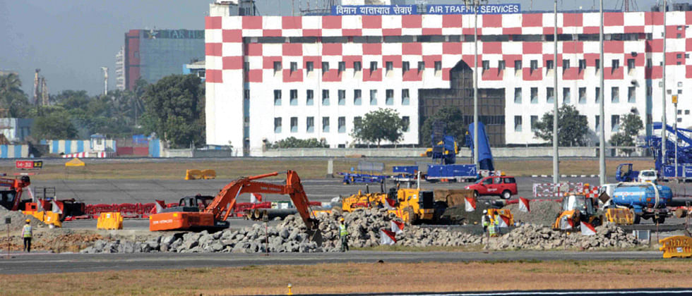 225 flights cancelled due to runway closure in Mumbai