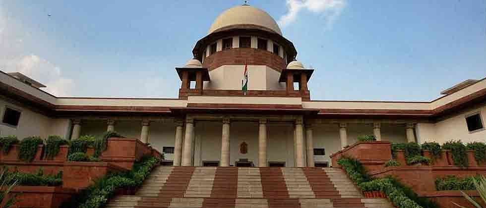SC suspends three farm laws, forms committee to hear farmers' plea