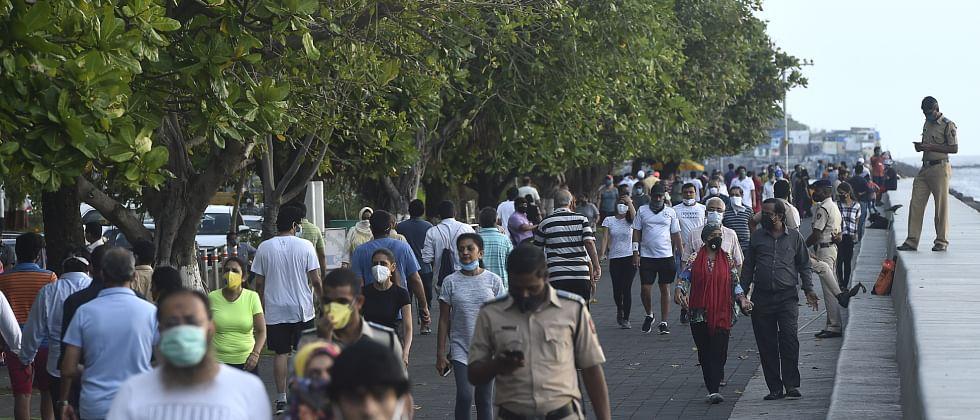 Mumbai Coronavirus: Hard to follow social distancing due to space constraints
