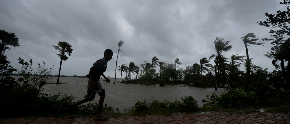 Cyclone Amphan: Shocking videos from West Bengal