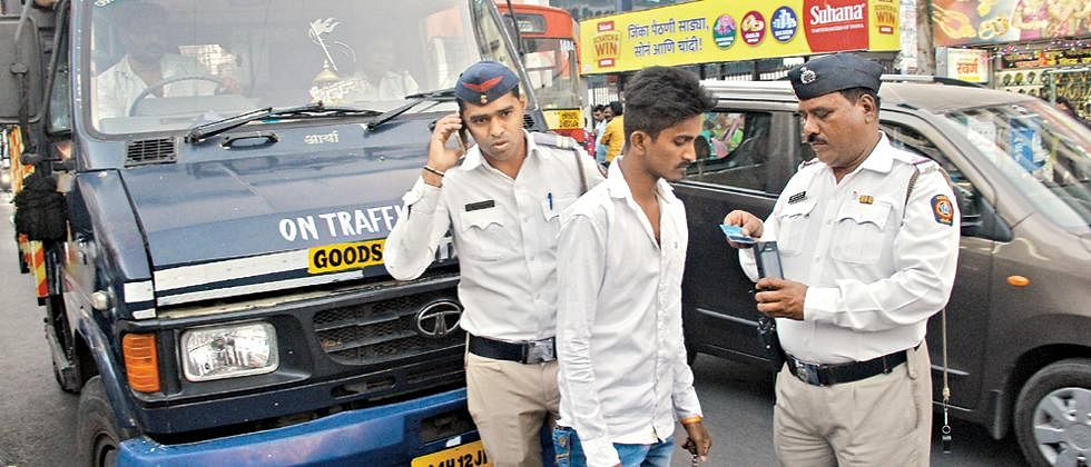 Maharashtra police collected fine of Rs 53,06,050 in a day from lockdown violators