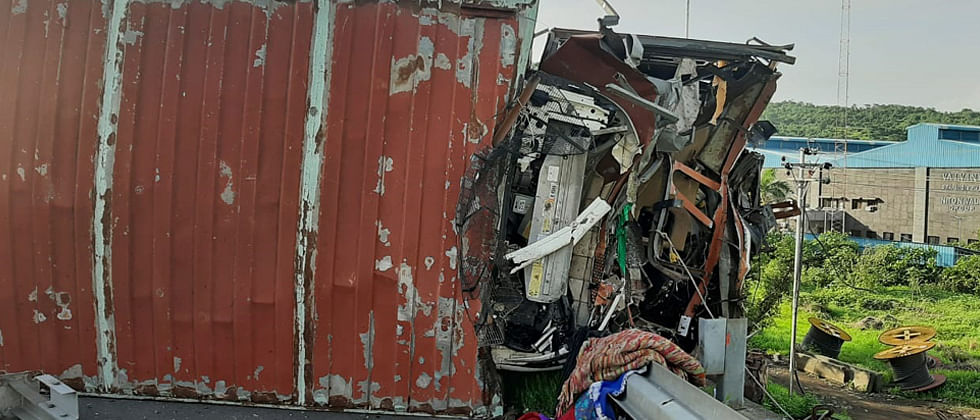 Two die in accident on Mumbai-Pune expressway