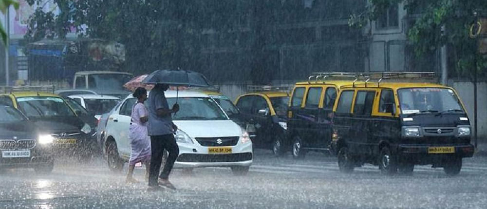 Mumbai rains: Streets waterlogged, traffic disrupted in suburban areas