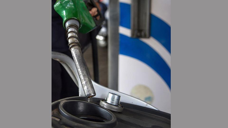 OMCs may bring down retail prices of petrol, diesel next week