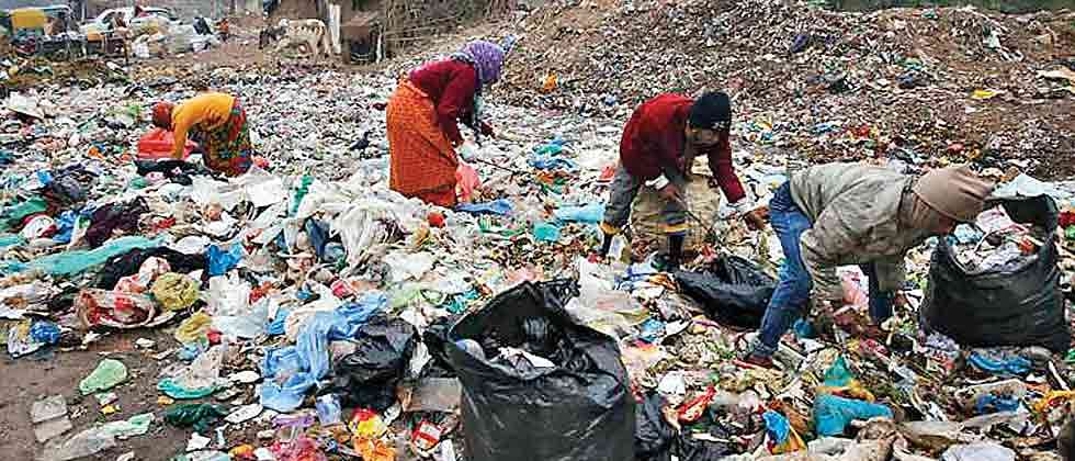 Employees of the plastic industry affected by ban