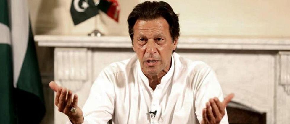 People targeting Sidhu doing disservice to peace: Imran Khan