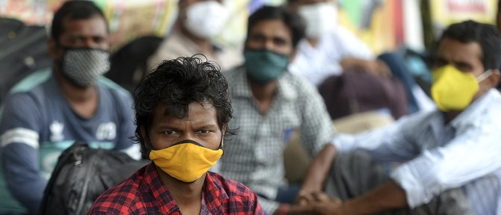 Maharashtra: Migrants return to state to earn  living amid contagion scare
