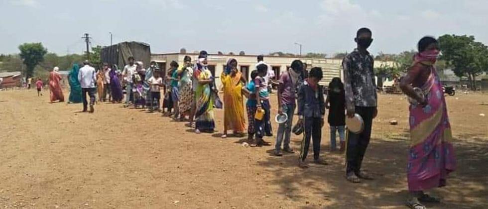 Coronavirus Pune: Republican Akshay Bhojan Yojana feeding 5,300 people daily