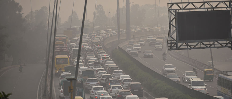 'Red Light On, Gaadi Off': Delhi government to begin anti-pollution campaign from November 2