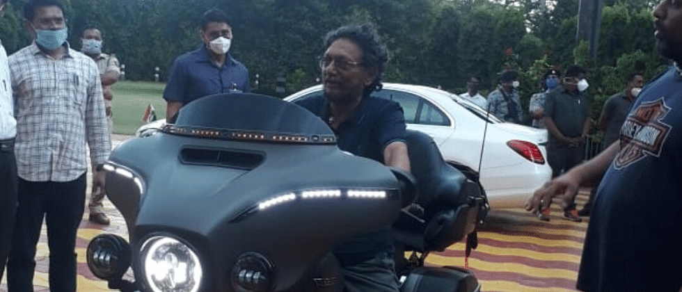 CJI Justice Bobde's Harley Davidson picture goes viral and netizens can't keep calm