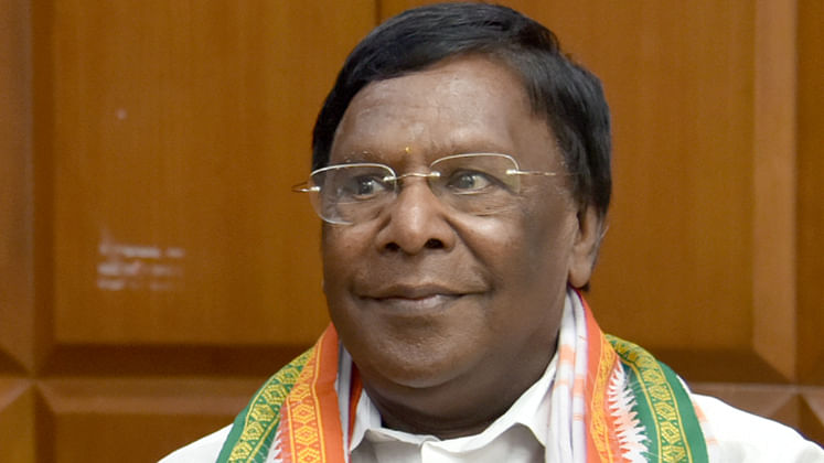 Congress-led government tumbles in Puducherry, CM V Narayanaswamy resigns