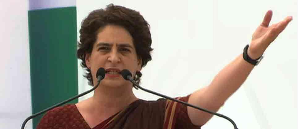 Coronavirus Maharashtra: Priyanka Gandhi accuses center of politicising migrant issue