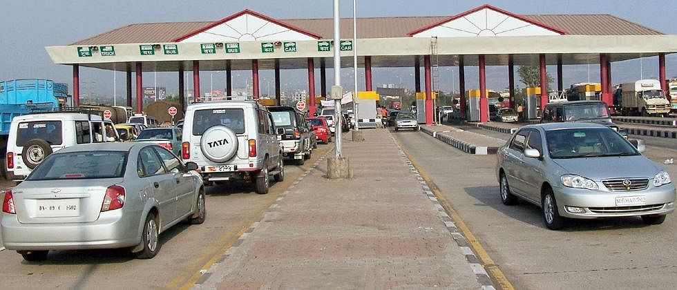 Travelling at Pune-Mumbai Expressway? Now pay toll via FASTag and get cashback