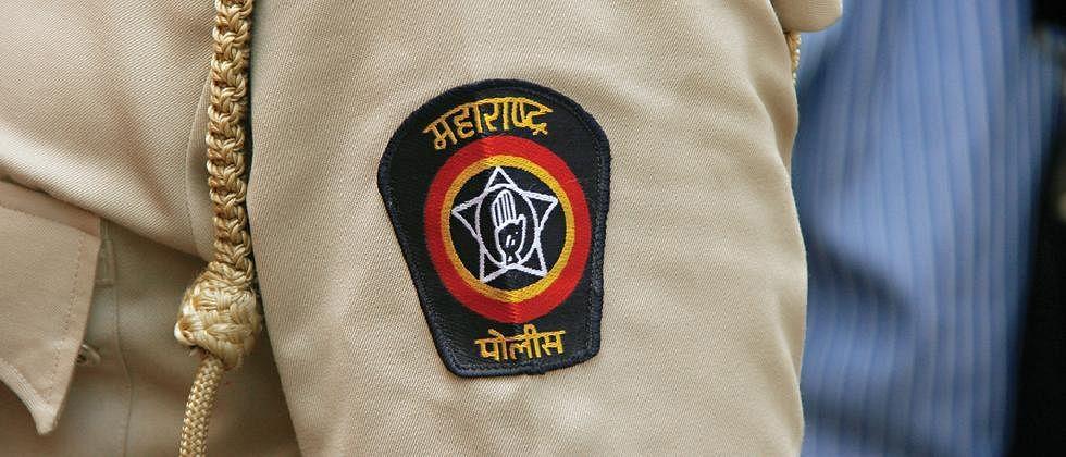 Coronavirus Pune: Lions Club of Bhosari felicitates Pune police officials for their service