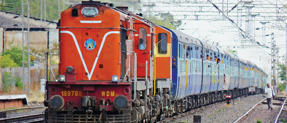 Pune Railway Division Loco Department working uninterrupted to ensure supply of essential commodities