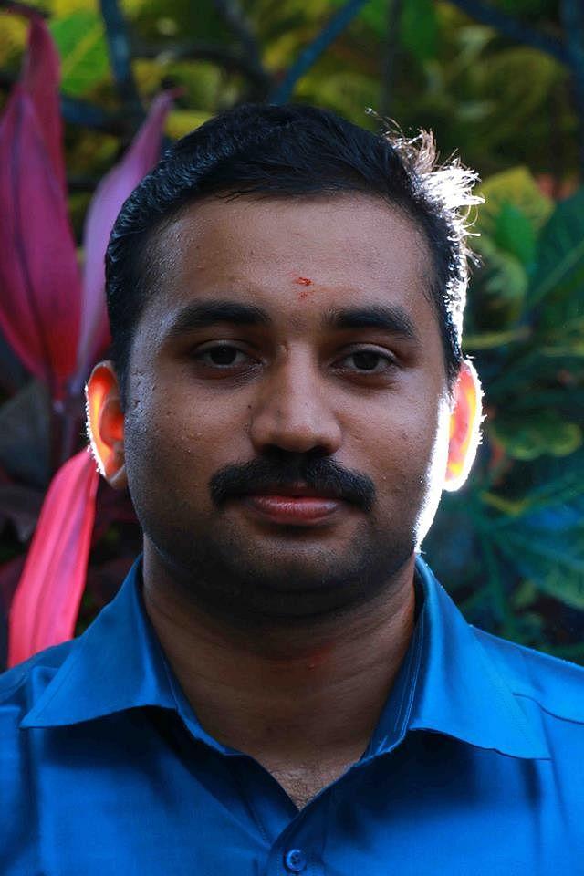 മനോജ് വെള്ളനാട്