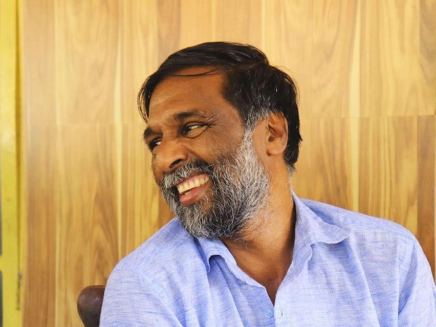 'കൊറോണയും ചികിത്സിക്കാം'; മോഹനന് വൈദ്യര്ക്കെതിരെ ആരോഗ്യവകുപ്പിന്റെ നടപടി