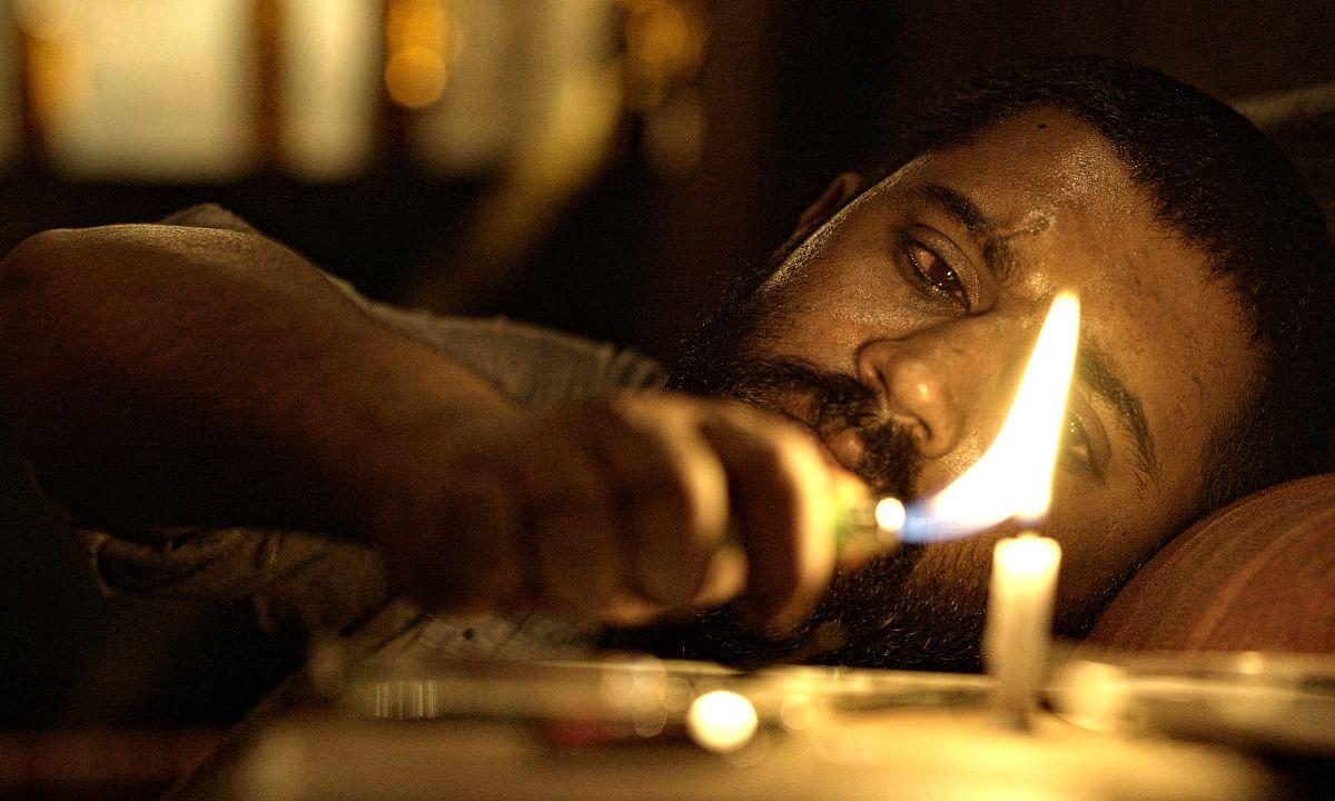 Exclusive stills Moothon: ലക്ഷദ്വീപില് നിന്ന് മുംബൈയിലെത്തിയ മൂത്തോന്
