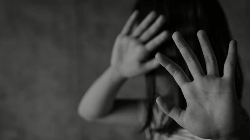 മഹാരാഷ്ട്രയില് ബിജെപി-ശിവസേന തര്ക്കം രൂക്ഷം; ഇരുപാര്ട്ടികളും ഗവര്ണറെ കണ്ടത് ഒറ്റയ്ക്ക്