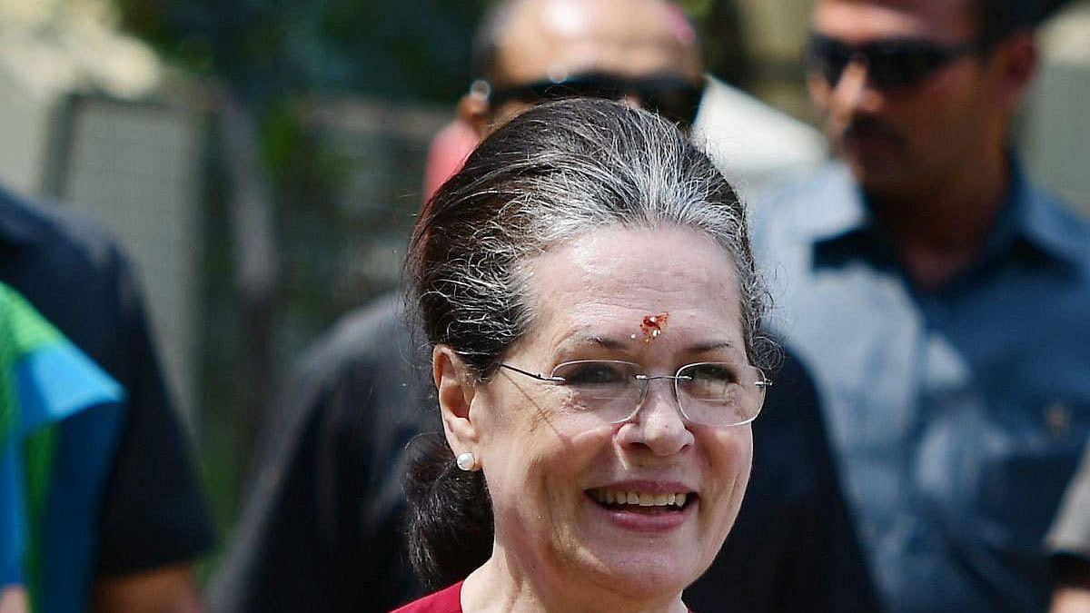 മഹാരാഷ്ട്ര: സുപ്രീംകോടതി വിധി സ്വാഗതം ചെയ്ത് സോണിയ ഗാന്ധി; ജനാധിപത്യത്തിലെ നാഴികക്കല്ലെന്ന് എന്സിപി