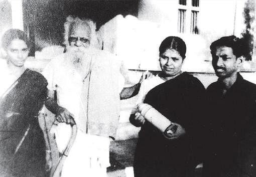 സദാചാര ഗുണ്ടായിസം, കാര് കേടായി വഴിയിലായ ദമ്പതികളെ ആക്രമിച്ചു