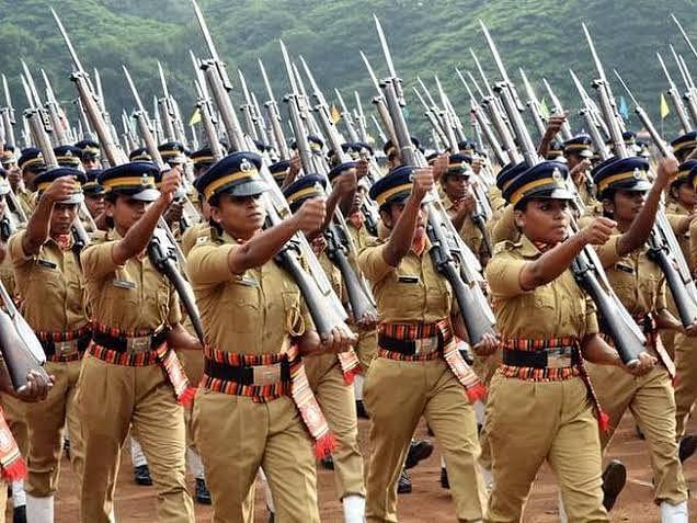 കേരള പോലീസില് 'ലിംഗനീതി'; ഇനി 'വുമണ്' ഇല്ല