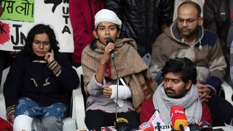 ജെഎന്യു: 'നാലു മിനിറ്റില് രണ്ട് എഫ്ഐആര്', ഐഷെ ഘോഷിനെതിരായ പോലീസ് നടപടി വിവാദത്തില്