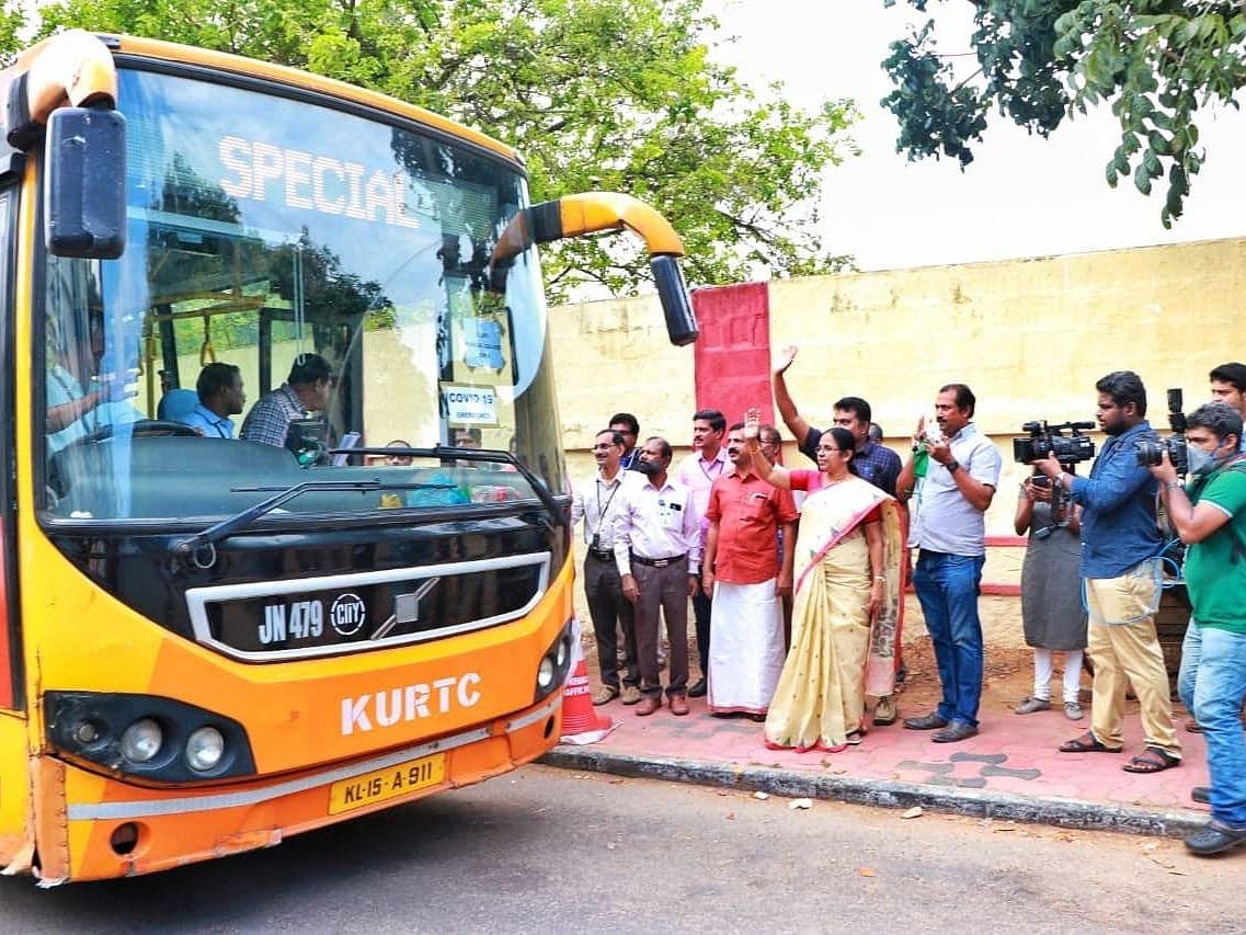 കാസര്ഗോഡേക്ക് തിരുവനന്തപുരം മെഡിക്കല് കോളജിലെ 26 അംഗസംഘം, സ്വമേധയാ തയ്യാറായവരെന്ന് ആരോഗ്യമന്ത്രി