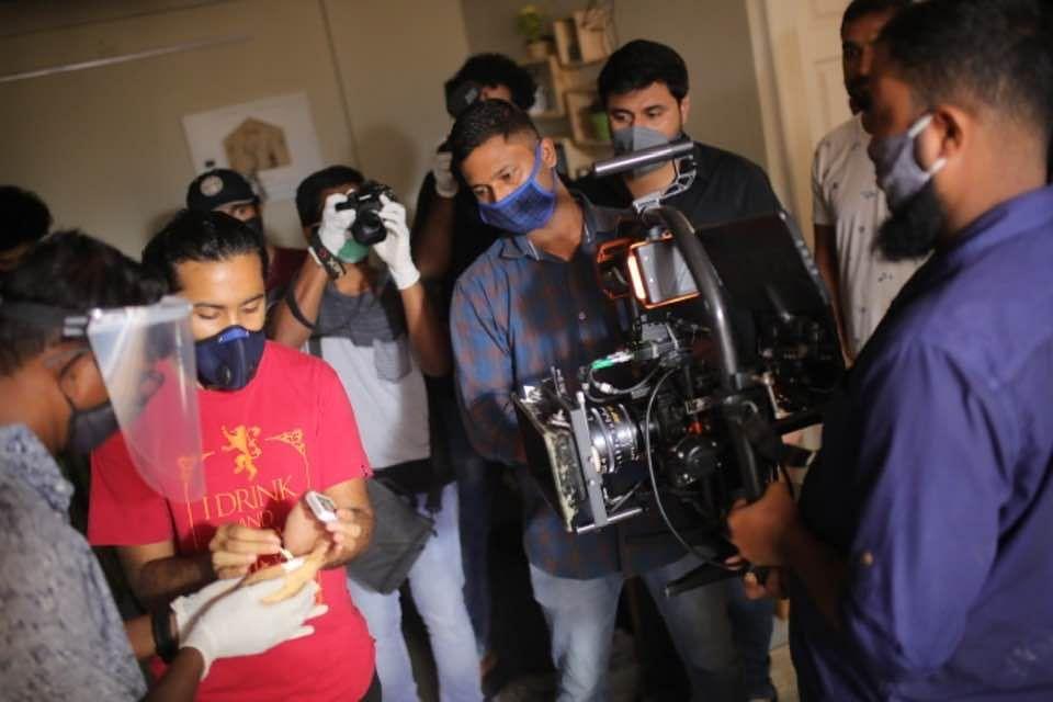 ഖാലിദ് റഹ്മാന് ചിത്രം തുടങ്ങി, പ്രോട്ടോക്കോള് പാലിച്ച് ചിത്രീകരണമെന്ന് നിര്മ്മാതാവ്