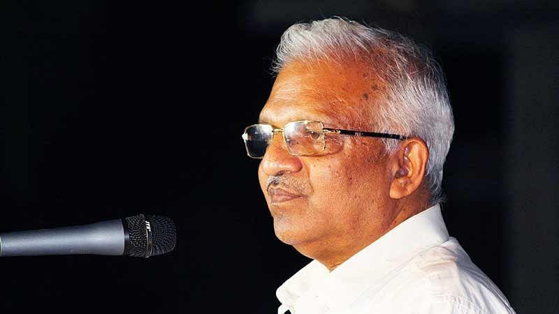പി.ജയരാജന് സീറ്റ് നല്കാത്തത് കണ്ണൂരില് തിരിച്ചടിക്കും, രാഷ്ട്രീയ പ്രവര്ത്തനം അവസാനിപ്പിക്കുകയാണെന്ന് സിപിഎം പുറത്താക്കിയ ധീരജ്