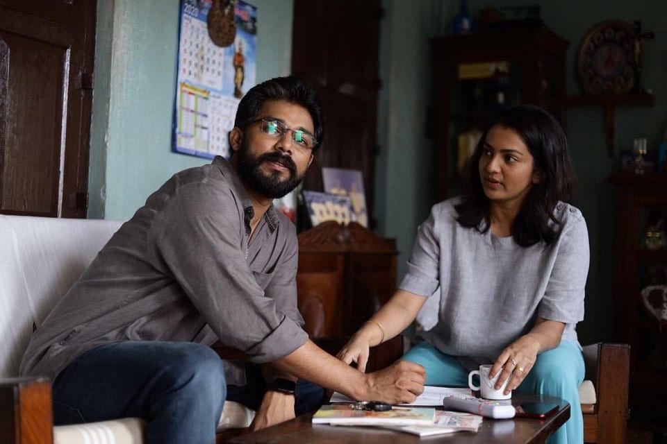 Aarkkariyam Movie Review