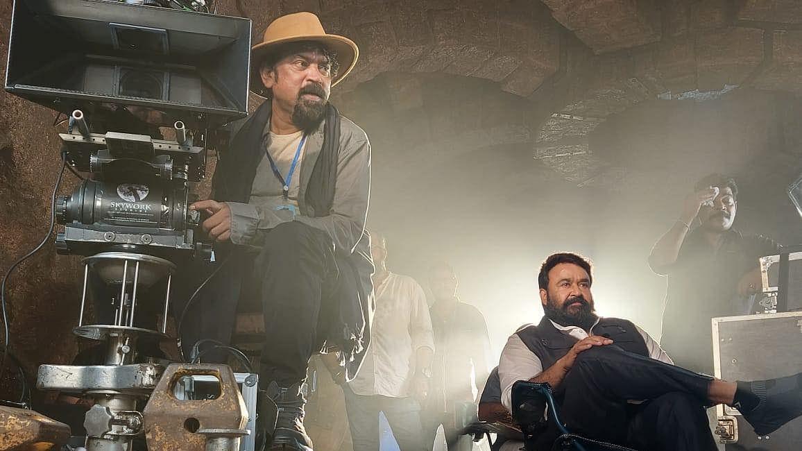 ഡയറക്ടര് മോഹന്ലാല്, ബറോസ് പുതിയ ലൊക്കേഷന് ചിത്രം