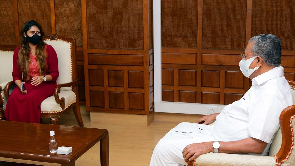 മുഖ്യമന്ത്രിയുമായി കൂടിക്കാഴ്ച നടത്തി ഐഷ സുല്ത്താന