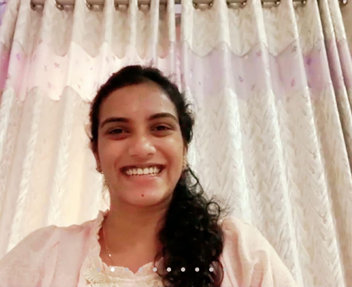 लड़कियां खेलों में अपना कैरियर बनाएं : पीवी सिंधु