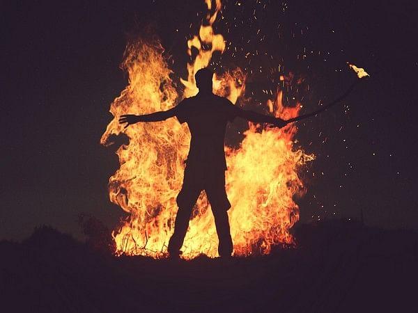 Shopkeeper Set On Fire In Firozabad, Sustains 100 Per Cent Burns